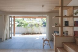 滋賀県大津市の注文住宅で土間のあるリビング
